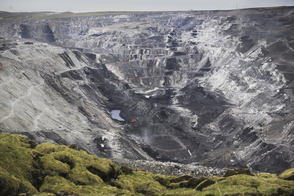 开矿-将环境破坏者暴晒在阳光下