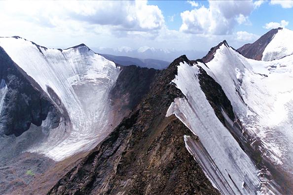 全球升温下中国冰冻圈反映强烈,82%的冰川处于退缩状态